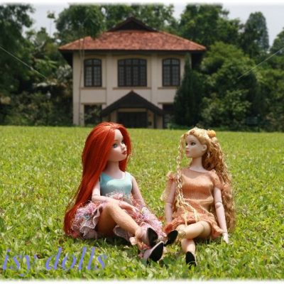 Doll meeting in the Botanic Garden