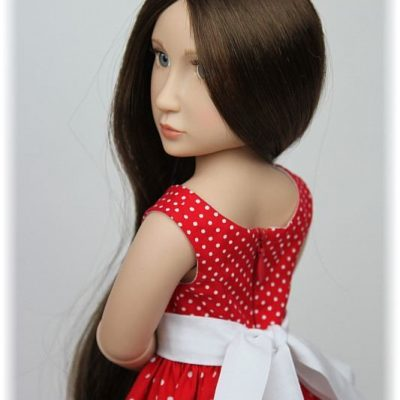 Красное платье в горошек для Матильды