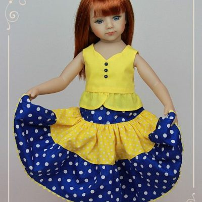 Blue-and-yellow outfit for Joanna