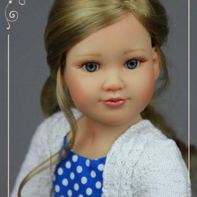 Лизза в синем платье