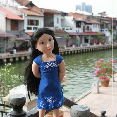 Caitriona in Melaka. Part 5. Along the River